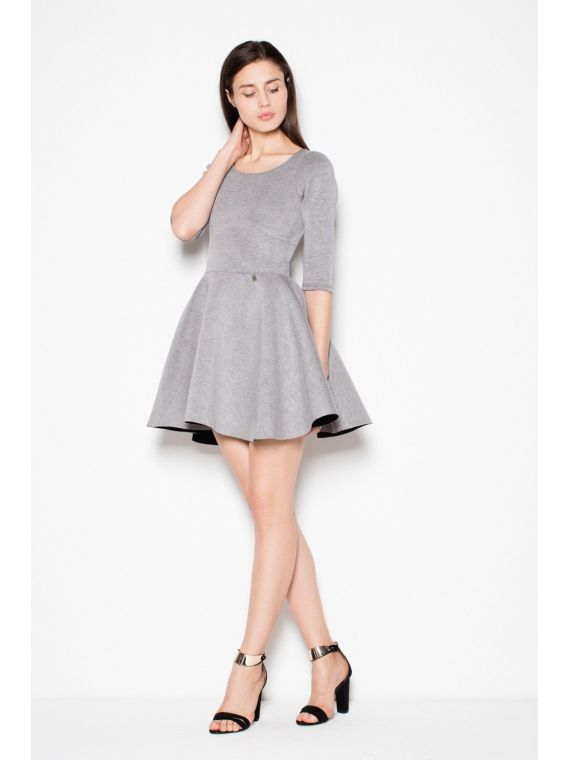 Sukienka z elastycznego materialu