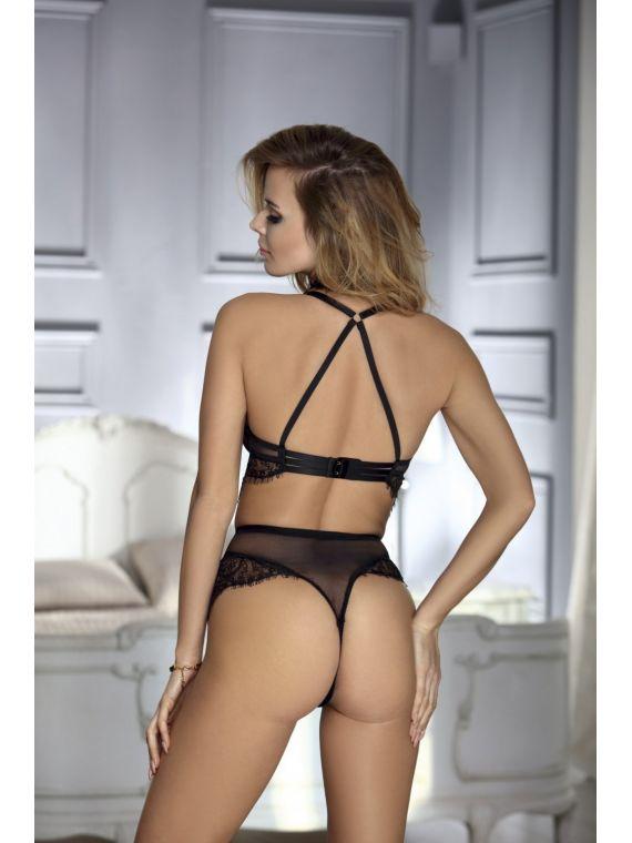 Stringi Model  Malwina Black